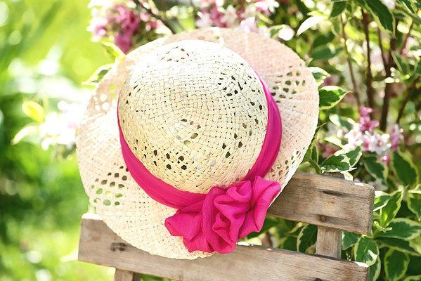 女性の帽子