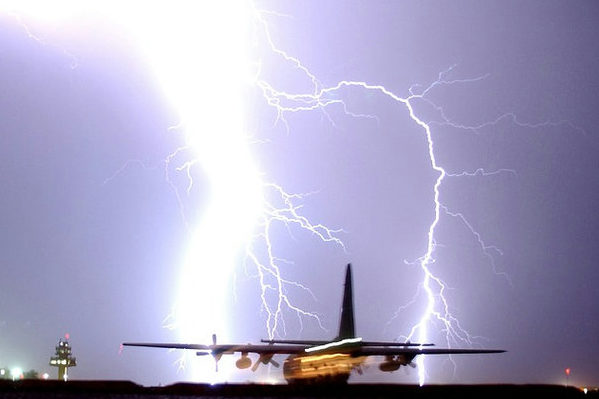 lightning稲妻